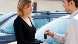 Bagaimana Menjual Mobil Anda dengan Cepat dan Tunai